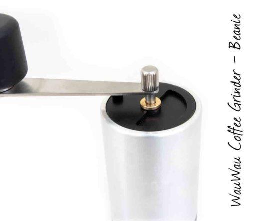 WauWau Kaffeemühle Beanie Buche Aluminium/Schwarz 25g Detail