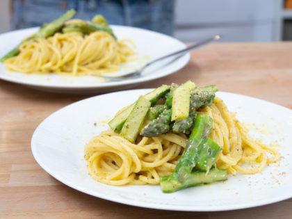 Kochen mit Sby: Carbonara con asparagi!